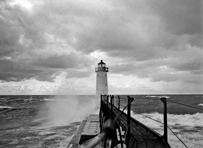 Historical photograph of the Fifth Avenue Lighthouse taken in the 1930's