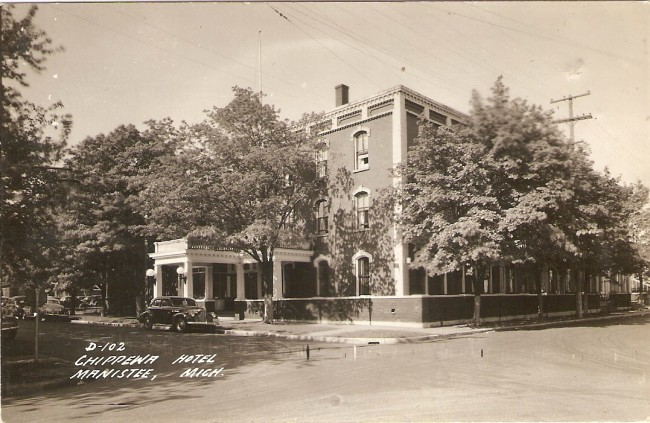 Postcard of the former Hotel Chippewa in Manistee Michigan